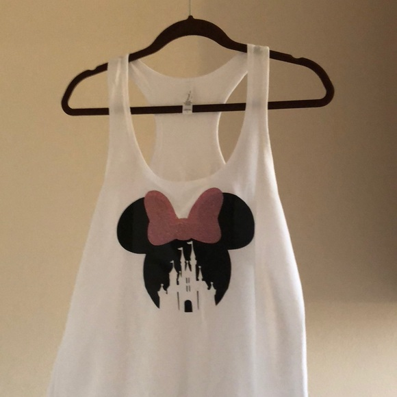35b9348333ef2 Disney Mouse Ears Castle Tee. M 5b1de20b3c984478b2b37a94